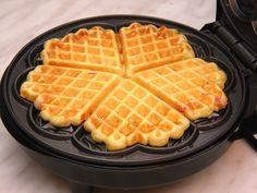 Bakin kolač koji ostaje mekan i ukusan po nekoliko dana Waffle Recipes, Baking Recipes, Cookie Recipes, Dessert Recipes, Desserts, Breakfast Recipes, Rodjendanske Torte, Cream Puff Recipe, Kolaci I Torte