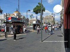 Avenida Juárez. Juárez avenue.