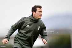 VINOVO, ITALY - APRIL 02: Stephan Lichtsteiner of Juventus during a training session on the eve of the Champions League match against Real Madrid at Juventus Center Vinovo on April 2, 2018 in Vinovo, Italy. (Photo by Daniele Badolato - Juventus FC/Juventus FC via Getty Images)