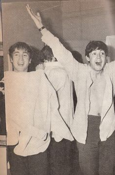 """""""Paul was telling me the other day that he and I used to have rows about who was the leader. I can't remember them. It had stopped mattering by then. I wasn't so determined to be the leader at all costs. If I did argue, it was just out of pride."""" – John Lennon in The Beatles Authorized Biography by Hunter Davies. (Image scanned from the German edition of The True Story of The Beatles by Billy Shepherd)"""