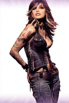 Gina Gershon ... omg, to look like this!