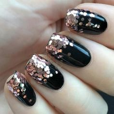 Black Gold Nails Last Minute New Year's Eve Nail Design - black nails with copper glitter - Do you need snazzy New Year's Eve nail designs to go with that perfect dress and those fabulous shoes? Stylish Nails, Trendy Nails, Cute Nails, Black Nail Designs, Nail Art Designs, Nails Design, New Year's Nails, Gel Nails, New Years Eve Nails