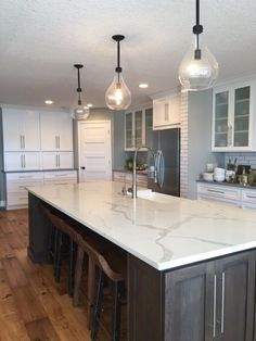 Supreme Kitchen Remodeling Choosing Your New Kitchen Countertops Ideas. Mind Blowing Kitchen Remodeling Choosing Your New Kitchen Countertops Ideas. Outdoor Kitchen Countertops, Kitchen Countertop Materials, Countertop Options, Kitchen Cabinets, White Cabinets, Floors Kitchen, Marble Kitchen Countertops, Dark Counters, Kitchen Counter Tops Quartz
