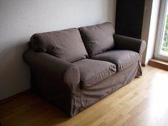 """Biete ein schönes und sehr gut erhaltenes Sofa von Ikea Modell """"EKTORP"""".Es ist ein a2er-Sofa, die Farbe der Bezüge ist Jonsboda braun (Ikea Bezeichnung).Die Bezüge sind neu und unbenutzt !!Maße:Breite: 179 cmTiefe: 88 cmHöhe: 88 cmSitztiefe: 49 cmSitzhöhe: 45 cm Couch Ikea, Furniture, Home Decor, Brown, Scale Model, Living Room, Colour, Nice Asses, Decoration Home"""