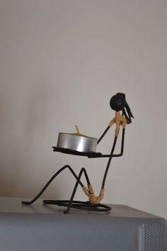 Omino portacandele Wooden Desk Organizer, Unique Candle Holders, Wall Key Holder, Metal Garden Art, Wrought Iron Gates, Copper Art, Steel Art, Scrap Metal Art, Welding Art