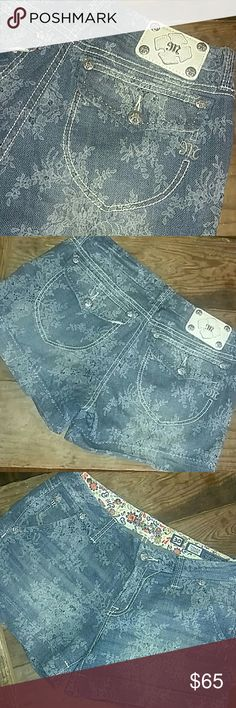 """CUTEST! MISS ME shorts ever! lace print OH MY SOOOOO CUTE! size 30"""" modest 4"""" inseam...so booty cheeks wont hang out! Unless you roll them 😉excellent condition! lace printed blue jean...absolutely adorable💜💜💜 Miss Me Shorts Jean Shorts"""