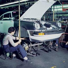 Porsche 911 Assembly line