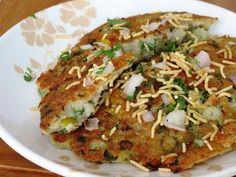 Instant Rava Handvo Recipe | Rava Handvo Recipe Full Of Veggies| foddiescorner - YouTube