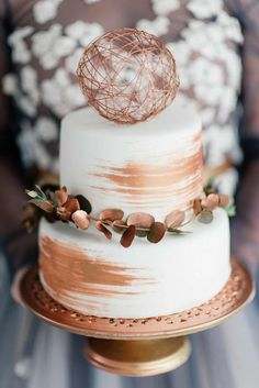 Credit: Nadine Aucamp/Anel Botha on SouthBound Bride Let's get this party started, shall we friends? Our editorial theme for January is 'Just Engaged' and we'll be kicking o…