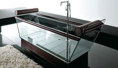 Treesse's elegant bathtub with glass / Milo Collection