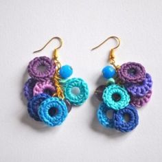 Crochet Earrings Best Picture For crochet accessories for dolls For Your Taste You are looking for something, and it is going to tell you exactly. Diy Jewelry Bags, Diy Jewelry Gold, Diy Jewelry Necklace, Jewelry Crafts, Jewellery, Crochet Earrings Pattern, Crochet Jewelry Patterns, Crochet Bikini Pattern, Crochet Accessories