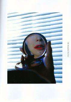 SWITCH Vol.32 No.11 特集 椎名林檎 〔音楽家の逆袭〕 部分扫图_椎名林檎吧_百度贴吧 Shiina Ringo, Japanese Icon, Gorillaz, Burlesque, Rock And Roll, Photo Art, Hip Hop, Singer, Graphic Design