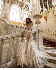 Дворцовые похождения чудесной команды : фото @jannakuzko модель @natka131 платье @malyarovaolga #hautecouturedress #hautecoutureweek #hautecouture #couturedress #couture #couturefashion #couturewedding #wedding #fashion #art #artfashion #malyarovaolga #olgamalyarova #style #luxury #royaldress #платье #платьемечты #свадьба #съёмка #новыйгод #дворец #фотосет
