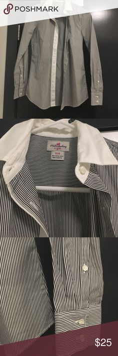 NWOT - Jcrew button up - XXS NWOT - Jcrew button up - XXS J. Crew Tops Button Down Shirts