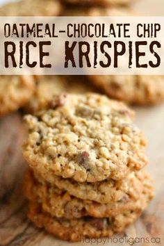 THESE ARE THE BEST Oatmeal Chocolate-Chip Rice Krispy Cookies - decadent and buttery soft on the inside crispy on the outside these are a homemade cookie lover s dream - Happy Hooligans Beaux Desserts, Köstliche Desserts, Dessert Recipes, Dinner Recipes, Cupcake Recipes, Dessert Healthy, Creative Desserts, Best Cookie Recipes, Health Desserts