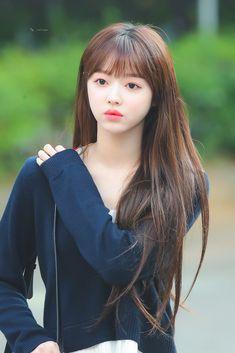 Kpop Girl Groups, Korean Girl Groups, Kpop Girls, Oh My Girl Yooa, Cool Girl, Cute Korean Girl, Classy Girl, The Most Beautiful Girl, Korean Actresses