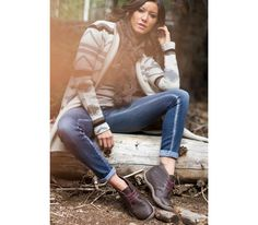 Check out this cute women's Chukka outfit. Winter sweater style.  #chukka  Aalto Chukka Boot Chestnut Brown Leather - Women's Casual Shoes for Plantar Fasciitis How to wear a Chukka shoe from KURU Footwear