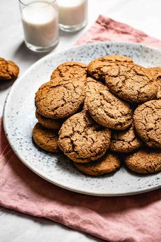 The Best Gluten-Free Gingerbread Cookies made with almond flour that happens to be refined sugar-free, grain-free, dairy-free, and paleo. Ginger Bread Cookies Recipe, Ginger Molasses Cookies, Paleo Cookies, Yummy Cookies, Baking With Almond Flour, Almond Flour Recipes, Almond Flour Cookies, Healthy Gingerbread Cookies, Gluten Free Gingerbread