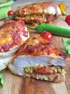 Gefüllte Hähnchenbrust mit Chorizo und Avocado Pesto Low Carb Rezept