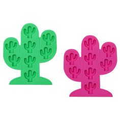 7.5 x 0.6 x 8.3 Inches Silicone Add a splash of fun to your summer drinks selection. Each tray produces 8 icy cacti - flexible silicone for easy use and cleaning. Also great as chocolate molds!