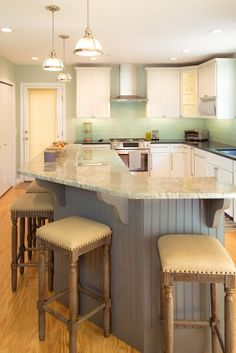 Kitchen Remodel (Breakfast Bar)