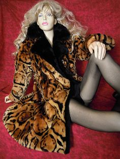 Fur Coats, Venus, Lamb, Attitude, Sheep, Fur, Fur Coat, Fur Collar Coat, Baby Sheep