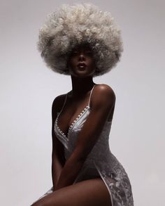 Afro Beauty Brought To Life In Photographer Luke Nugent's Lavish Hair Portraiture – Design You Trust Black Women Art, Beautiful Black Women, Style Afro, Kreative Portraits, Black Girl Aesthetic, Pelo Afro, African Beauty, Afro Hairstyles, Black Hairstyles