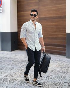 We Bring You The Best Simple, Stylish and Fashionable Outfit Ideas For Men That Every Men Would Love. Trendy Mens Fashion, Stylish Mens Outfits, Suit Fashion, Casual Outfits, Men Casual, Outfits Con Camisa, Color Combinations For Clothes, Sneakers Outfit Casual, Mens Clothing Styles