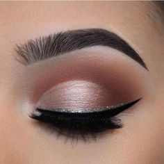 make up;make up for beginners;make up tutorial;make up for brown eyes;make up fo. Gold Eyeliner, Smokey Eyeliner, Natural Eyeliner, Eyeliner Looks, Best Eyeliner, No Eyeliner Makeup, Eyeliner Pencil, Homecoming Makeup, Makeup Ideas