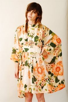 Today I met up with my friend who is a big vintage girl. And in between tea and gossip, I was thinking how vintage looking she is. Vintage Girls, Vintage Roses, Muumuu, Silk Painting, Stunning Dresses, Ready To Wear, Shabby Chic, Cover Up, Caftans