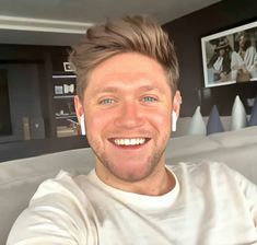 What a beautiful smile One Direction Wallpaper, One Direction Pictures, I Love One Direction, Direction Quotes, James Horan, Niall Horan Baby, Naill Horan, Irish Boys, Irish Men