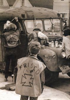 Many long years ago it was like this. Biker Clubs, Motorcycle Clubs, Vintage Biker, Vintage Art, Old Motorcycles, Hells Angels, Biker Patches, Bad To The Bone, Ride Or Die