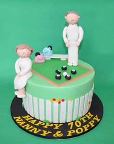 Lawn Bowls cake - For all your cake decorating supplies, please visit craftcompany.co.uk