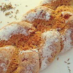 Biscotto della Madonna - Italiaans gevlochten Mariakoek - I am Cooking with Love Een heerlijk geurend zoete koek. Krokant aan de buitenkant en zacht van binnen