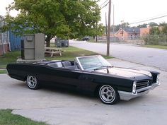 1966 Pontiac Bonnevile - fine memories with my brothers ride and glass packs Pontiac Lemans, Pontiac Cars, Pontiac Bonneville, Chevrolet Corvette, General Motors, My Dream Car, Dream Cars, Hot Rods, Vintage Cars