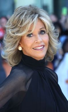 jane fonda 2014 this is where i leave yoyu Jane Fonda Hairstyles, Hairstyles Over 50, Shag Hairstyles, Feathered Hairstyles, Pretty Hairstyles, Should Length Hair Styles, Medium Hair Styles, Short Hair Styles, Mother Of The Bride Hair