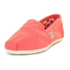 i want coral colored toms so bad!