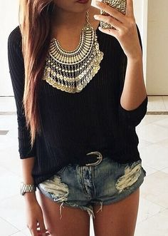 Love the look, shorts are a little too short for my liking but cute look!