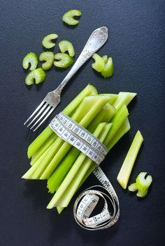plans plans to lose weight adelgazar detox para adelgazar 10 kilos diet Lose Tummy Fat, Belly Fat Diet, Veggie Vitamins, Diet Recipes, Healthy Recipes, Health And Nutrition, Celery, How To Lose Weight Fast, Atkins