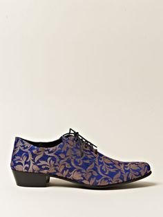 5 Fabulous Diy Ideas: Valentino Shoes Look adidas shoes originals. Balenciaga Shoes, Chanel Shoes, Heels Drawing, Formal Shoes, Casual Shoes, Cute Shoes, Me Too Shoes, Shoe Boots, Shoes Heels