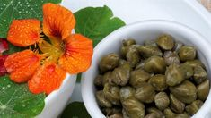 Real capers are the buds of the caper plant, but this poor man& version, made from the still firm seeds of nasturtium plants, is crisper and tangier. Veggie Recipes, Great Recipes, Favorite Recipes, Summer Recipes, Tapas, Fermentation Recipes, Food Obsession, Salad Ingredients, Pesto