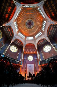 Inside of synagogue, Rumbach street, Budapest http://www.facebook.com/photo.php?fbid=443689962340997=a.331919730184688.75563.117139331662730=3
