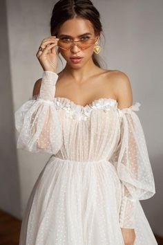 Wedding Dress Train, Wedding Dress Trends, Best Wedding Dresses, Bridal Dresses, Wedding Ideas, Wedding Gowns, Wedding Decorations, Bridesmaid Dresses, Wedding Quotes