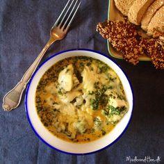 Cremet spinat med ost og kylling. Lækker low carb comfort food til efteråret --> Madbanditten.dk