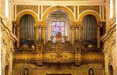 Organo della Basilica Santuario del Carmine Maggiore - Basilica santuario di Santa Maria del Carmine Maggiore -a Napoli