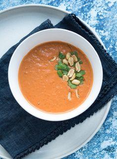 // repost af tidligere opskrift – nu med nye billeder. Udgivet 30/1-2013. Denne suppe er virkelig en af de bedste jeg har smagt. Den er perfekt til en kold vinteraften. Suppen er meget hurtig at lave,så den er perfekt som hurtighverdags mad. Herhjemme får vi den ofte på en hverdagsaften. …