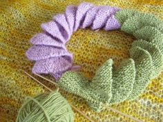 Knitting Out Loud: corkscrew scarf