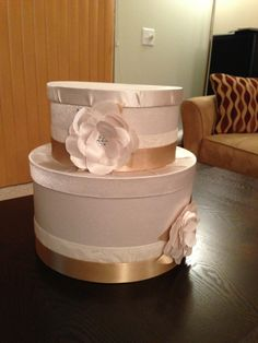 Awesome Tutorial on how to make a Wedding Card Box :)