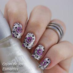 Moyou London Suki 07 - Sally Hansen Crystalline - Leadligth stamping
