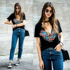 Get this look: http://lb.nu/look/8713067  More looks by Jacky: http://lb.nu/whaelse  Items in this look:  Ray Ban Sunglasses, Missguided T Shirt, Lee Jeans, Converse Sneakers   #casual #minimal #street #lowneckline #vneck #choker #missguided #lee #momjeans